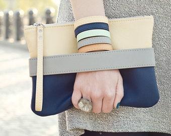 Vegan clutch Vegan purse Navy clutch bag Blue clutch Wristlet clutch Crossbody clutch Navy bridesmaid clutch Vegan leather purse Vegan bag