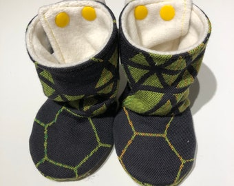 Stay-put baby boots, babywearing boots, baby booties, Firespiral bifrost geode wrap scrap, lined with bamboo fleece - size 3-6 months