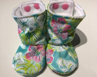 Baby boots, booties, bootees, stay-put design, perfect for babywearing - floral PUL, lined with polar fleece, 0-3 months
