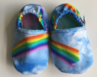 Soft soled shoes, baby slippers, baby shoes, pram shoes, crib shoes, prewalker shoes - 12-18 months, rainbow