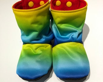 Baby boots, booties, bootees, stay-put design, perfect for babywearing - rainbow PUL, lined with polar fleece, 6-12 months