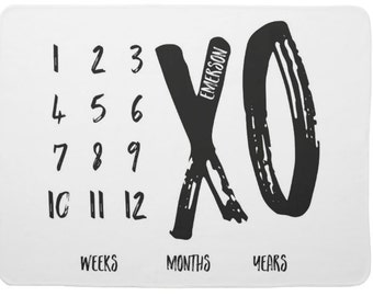 Black and White Monthly Milestone Blanket, XOXO