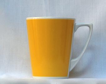 Winner's Jersey Yellow Latte-sized Cup