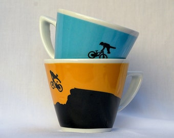 Set of 2 Cappuccino-sized Cups - Mountain Bikes