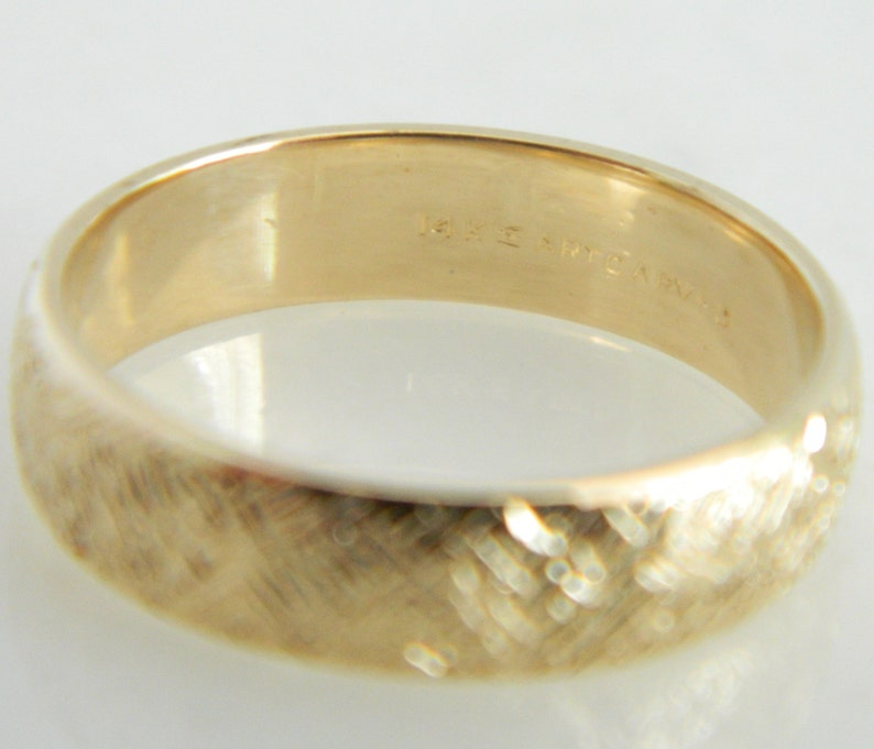 ArtCarved 14K Gold Textured Wedding Band size 7
