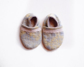 "Baby Booties- ""Flower"" Chambray Bootie"