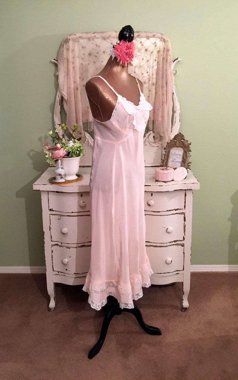 f55990aee1f 50s Pink Vintage Nightie Romantic Boudoir Vintage Nightgown