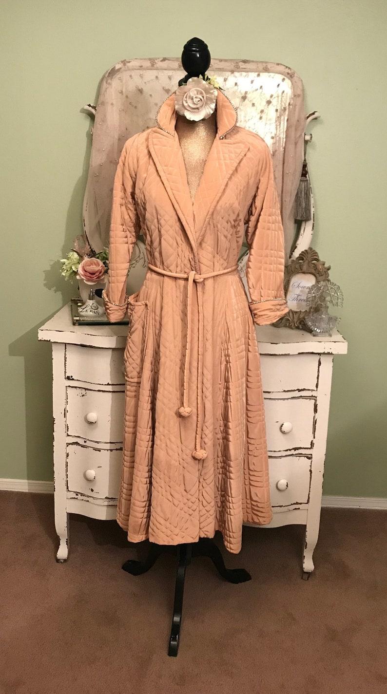 31cd3f0b4af Hollywood Glam 50s Vintage Robe Peach Satin Princess Robe M-LM
