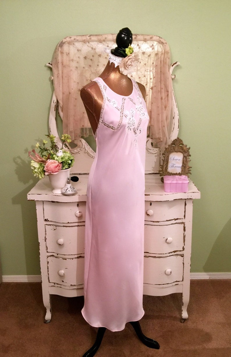 cbc9f18a46a Long Pink Open Shoulder Nightgown Elegant Nightdress Size