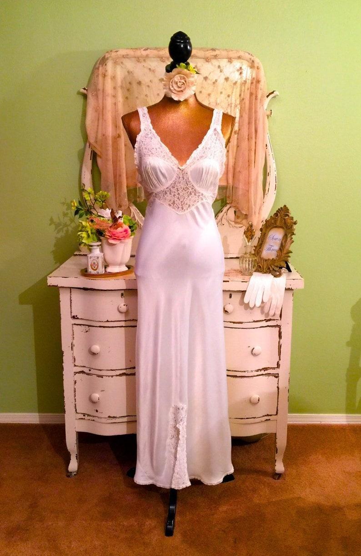 aed1f19a79d 1930s Elegant Nightgown White Slipper Satin Glam Nightie S-SM