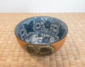 Soil-color with asperate touch outer and seasonal flower paint 染付芙蓉手花蝶文 inside of bowl.  good for small kokedama.
