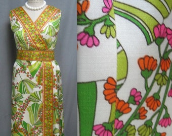 702161cd Vintage 70s Floral Print HAWAIIAN Style MAXI DRESS with Belt Patio Hostess  Gown Bust 43