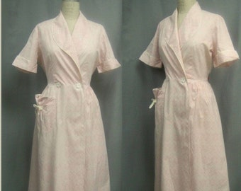 Vintage 50s Cotton Print ROBE BATHROBE House DRESS Wrapper with Pockets  Bust   up to 43