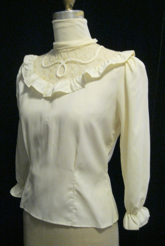 ivory white crepe blouse II war style 1940s Repro Woman Shirt Rockabilly girl