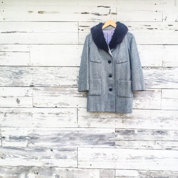 60's fur collar mid length wool jacket • S / M