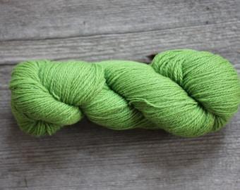 Green wool yarn | Etsy
