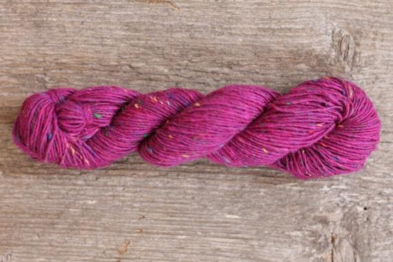 Tweed yarn 100gr or 25gr mini skeins Donegal Soft merino tweed Merino yarn Hand knitting yarn Pink tweed yarn 5566 FUSCHIA