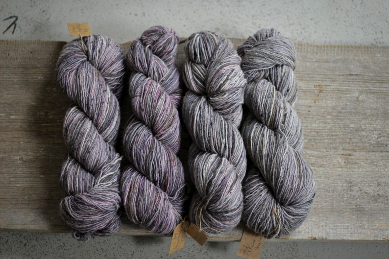 Hand dyed soft Donegal tweed yarn Fingering weight Art yarn OOAK Tweed yarn Merino wool Hand knitting yarn