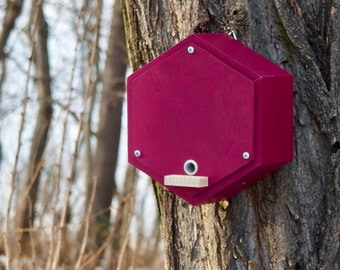 BUMBLEBEE HOUSE, bee home, Insect shelter, bumblebee hotel - Burgundy
