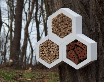 BEE HOTEL, Insect house, Mason bee home - Trianglehotel Snow