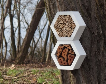 BEE HOTEL, Insect house, Bumblebee home - Grandhotel Snow