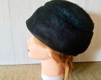b0af0109e44b Vintage Black Fur Hat Woman's /Made in the United Kingdom FREE SHIPPING