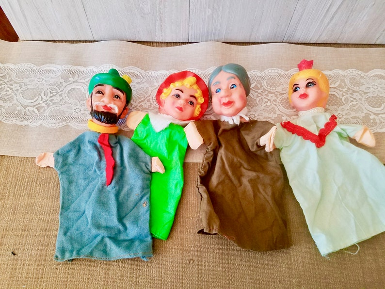Vintage Worlds Famous Fairy Tale Puppet Show Puppets Red Riding Hood Story puppets Wolf Grandma Woodsman set In Original Box