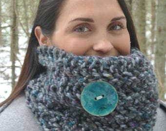Hand Knit Multicolour Cowl with Turquoise Button, Hand Knit Cowl with Button, Chunky Cowl with Button, Turquoise Button