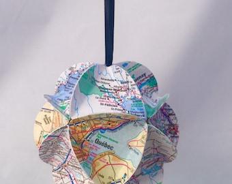 Quebec Ornament, Canada Ornament, Map ornament, Canada souvenir, Quebec Gift, Christmas Tree Decoration, Recycled gift, eco-friendly