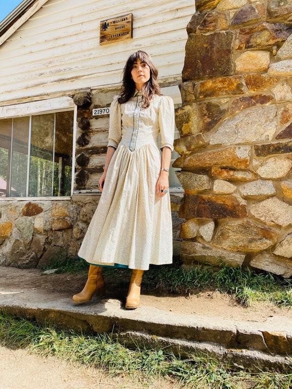 Little House on the Prairie Dress | vintage pearl