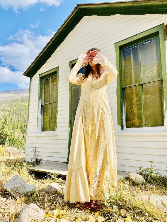 Gold Fever Prairie Gown   Gunne Sax vintage 70s  w