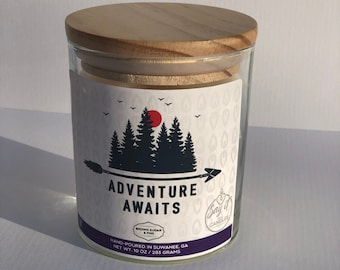 Adventure Awaits traveler candle, loves to travel, moving gift, soy blend, hand-poured, wooden wick, wood lid, 10oz scented candle