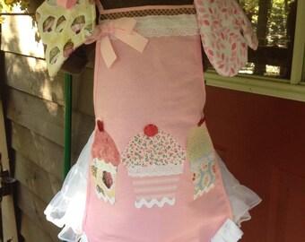 Personalized kids apron set - cupcakes