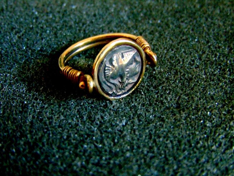 a856240a94d1 Impresionante 14 k oro moneda antigua anillo Athena diosa oro