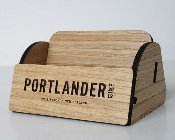 Holz Visitenkartenhalter Passen Sie Unseren Holz Visitenkarten Inhaber Mit Ihrem Namen Restaurant Oder Business Logo An