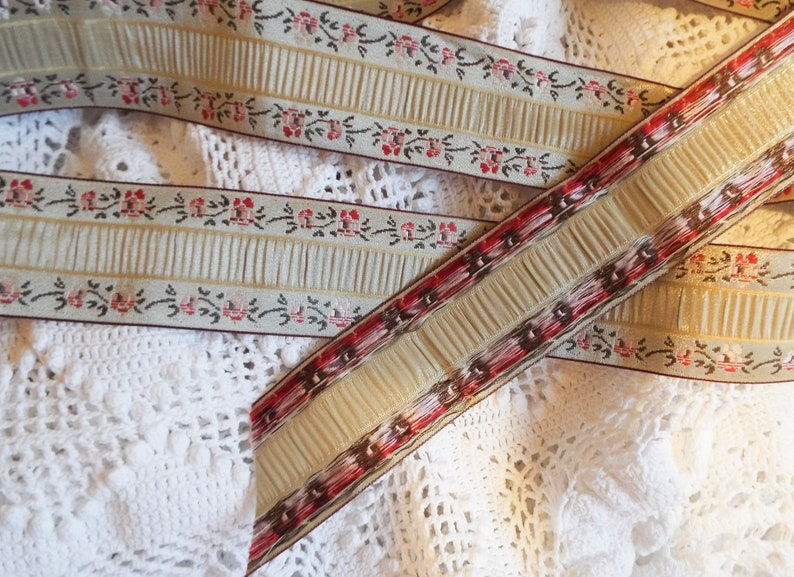 5m Luxurious French  upholstery braid Champagne and pink roses braid French passementerie New unused vintage cushion trim