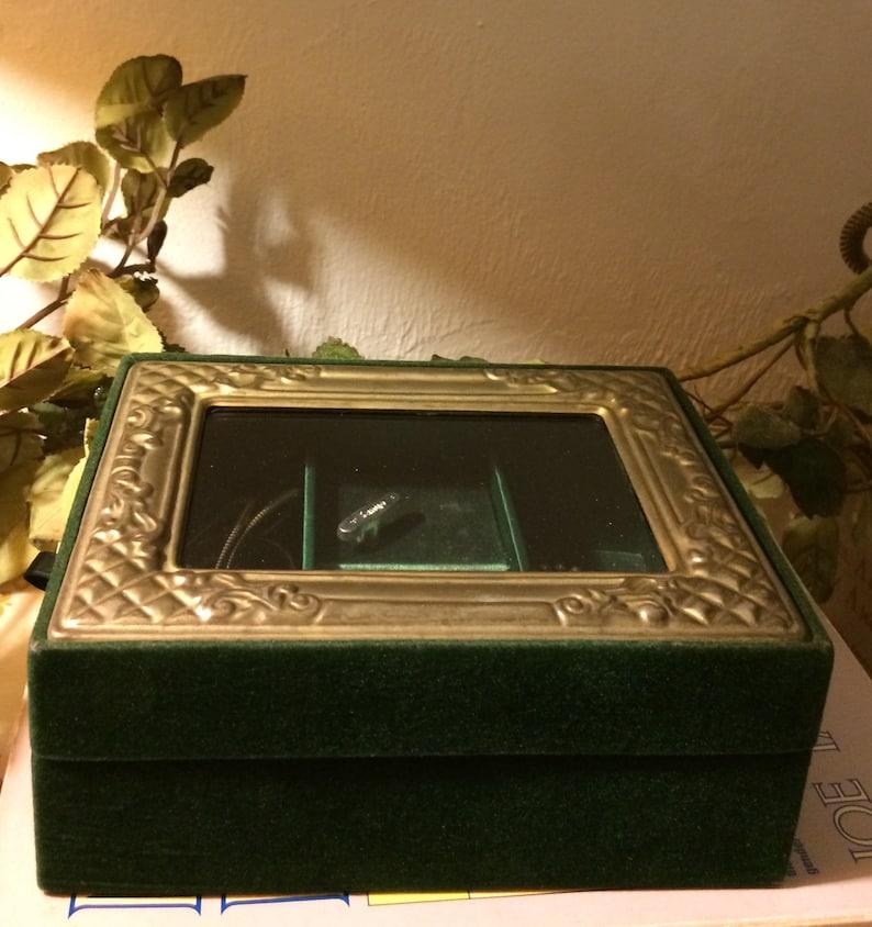 Vintage Sanyo Music box