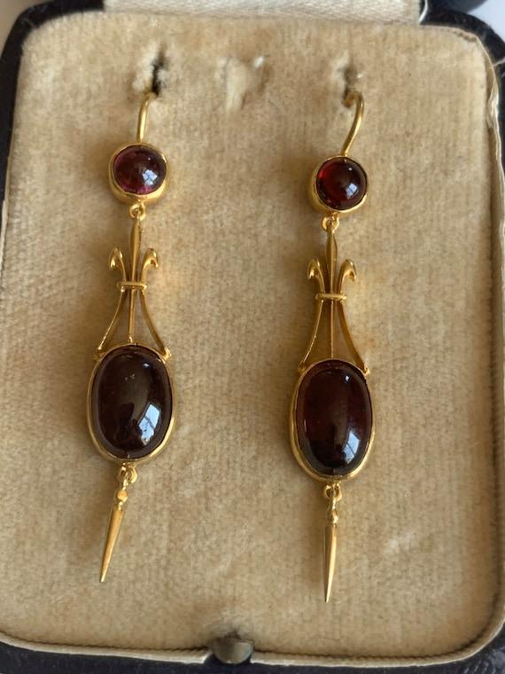 Garnet Victorian Style Earrings 9k