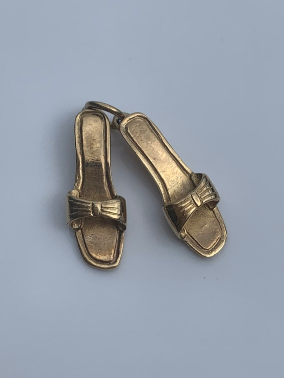 Dancing Shoes Charm 9k Gold