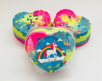 Unicorn Kisses Shimmering Heart Bath Bomb