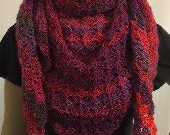 Crochet shawl/shawl/triangle shawl/crochet scarf/Mother's Day gift/handmade shawl/women accessories/clothing/gift for her/free shipping