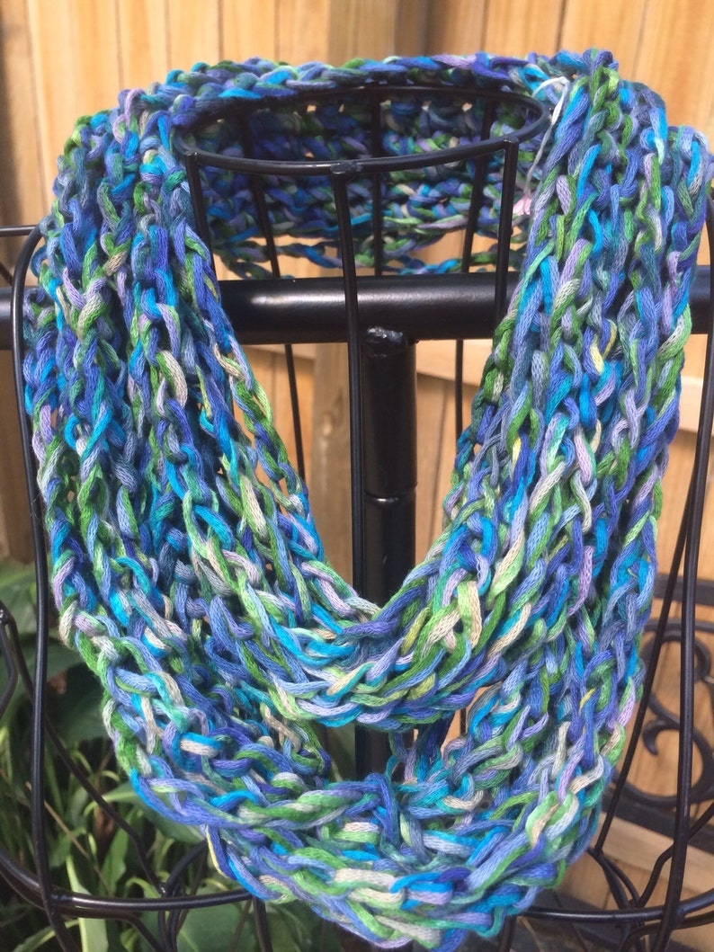 Scarves/necklace/crochet/women accessories/jewlry/loop image 0