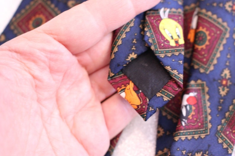 Marvin Taz Buggs Bunny Vintage Looney Tunes Tie 100/% Polyester FREE Shipping Sylvester Tweety