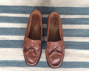 c015d2fda0c 1990s Bass Weejuns Cognac Leather Tassel Loafers Size 7