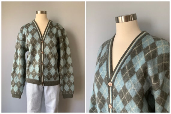 1960s Vintage Lamb Knit Blue and Gray Argyle Wool