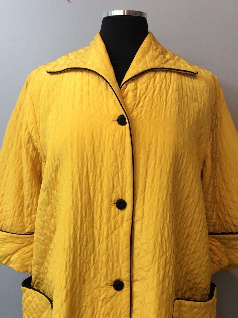 1950s Vintage Campus Girl Quilted Yellow Lounge Set