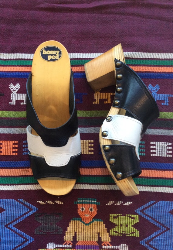 1970s Vintage Black and White Leather Wood Sole Cl