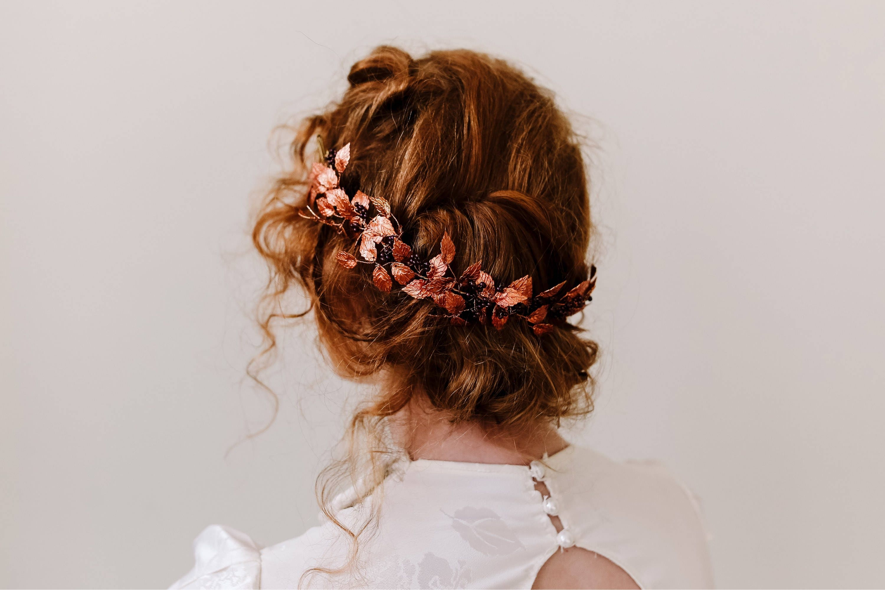 2019 year for girls- Hairstyles bun Spanking with veil