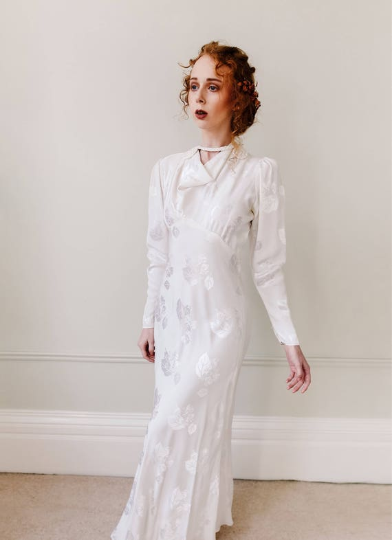 Vintage Wedding Dress Art Deco Bridal Gown Wedding Dress 1930s Ivory Dress Wallis Simpson Style Peephole Back Rope Detail Cowl Neck
