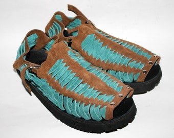 3b6ea363e63d4 1970s mens shoes | Etsy